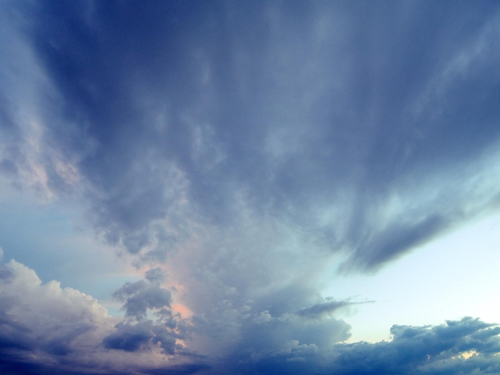 5418-beaute-des-nuages-viaa