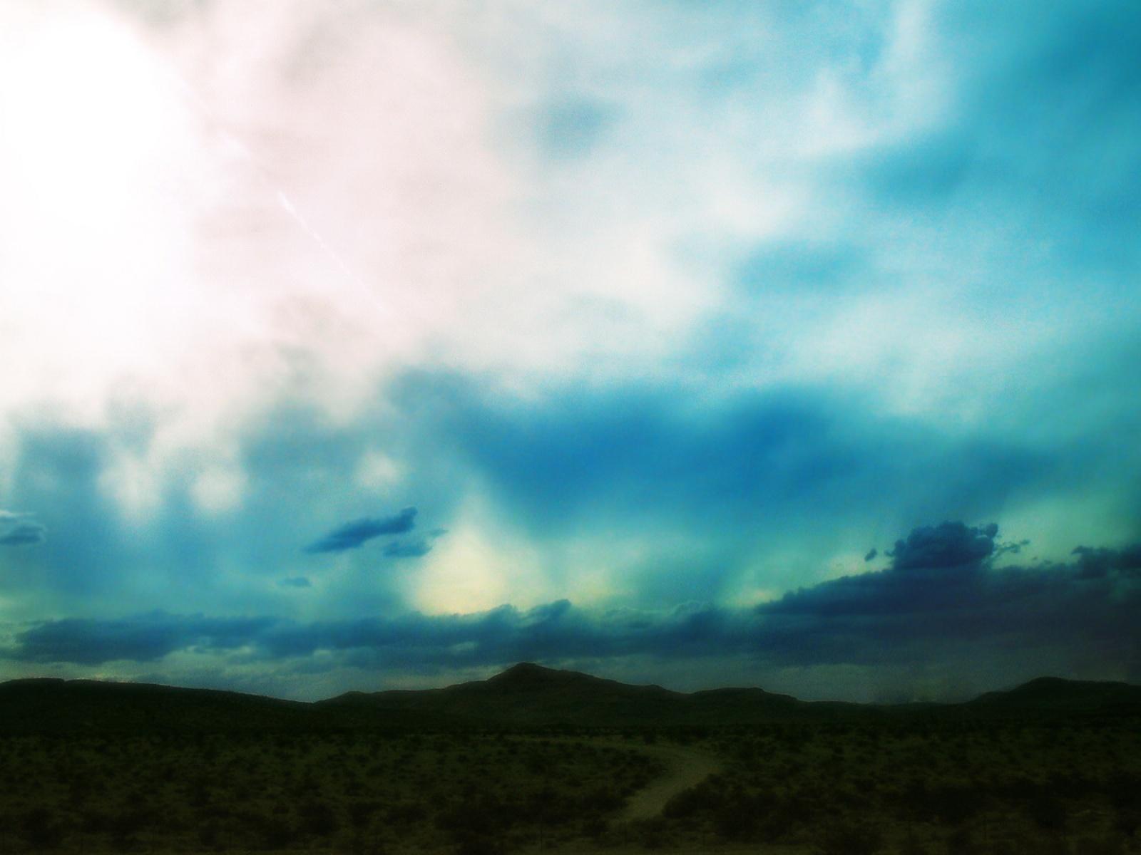 5550-ciel-nuageux-bleu-cyan-viaa